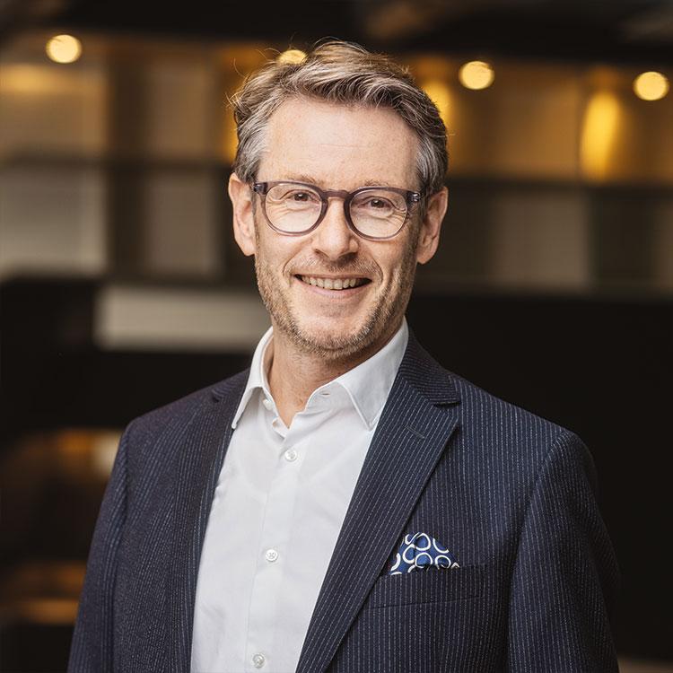 Pressefoto von Bernd Hütter Geschäftsführer Finanzen, Standorte und Tochtergesellschaften der Cube Real Estate GmbH