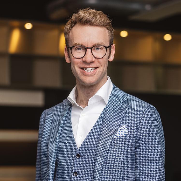 Pressefoto von Tilman Gartmeier, Vorsitzender der Geschäftsführung und Gründer der Cube Real Estate GmbH